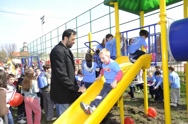"Fifth Playground in a Row Renovated by the Funds Raised through ""Big Heart"" Affinity Cards"