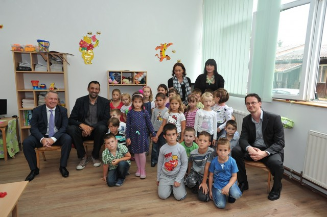 "Eurobank and the ""Ana and Vlade Divac"" Foundation Completed Kindergarten Reconstruction in Ub"